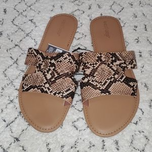 West Loop sandals brand new size L 9/10